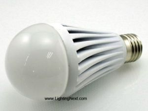 7 Watt A19 Globe bulb with Standard Screw In E27 Base